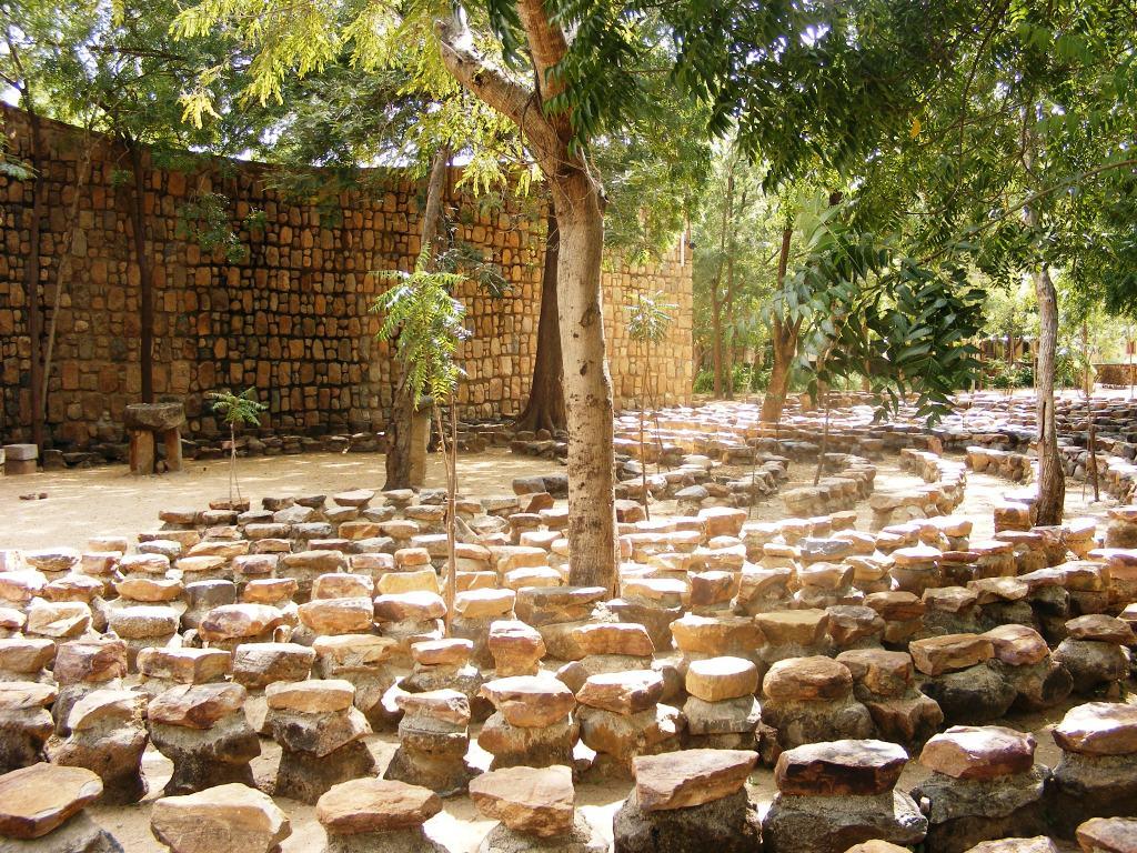 Parte exterior de la iglesia de Tokombéré (área sagrada)