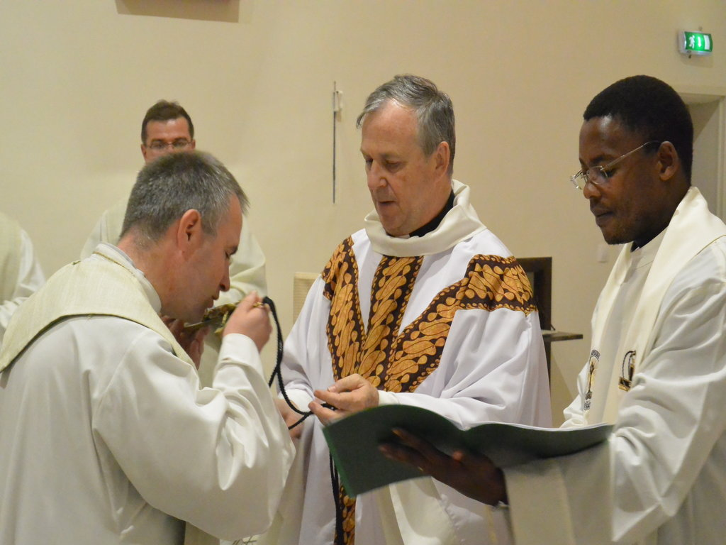 Photo : Left to Right : Fr. Bernard Felczykowski, Fr. Louis Lougen (Superior General), Fr. Bonga Majola
