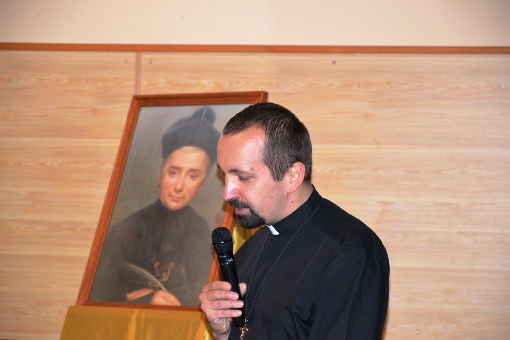 Père Paweł ZAJĄC lors de la conférence